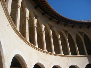 Die Faszination, die Palma de Mallorca ausübt, liegt in ihren architektonischen Reizen, dem Zauber ihrer Straßen und natürlich der je individuellen Atmosphäre, welche die Stadthotels der Hauptstadt von Mallorca umgibt.