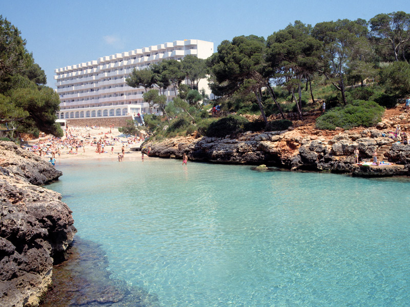 Cala Egos y el Hotel Marina Corfu de Cala d'Or