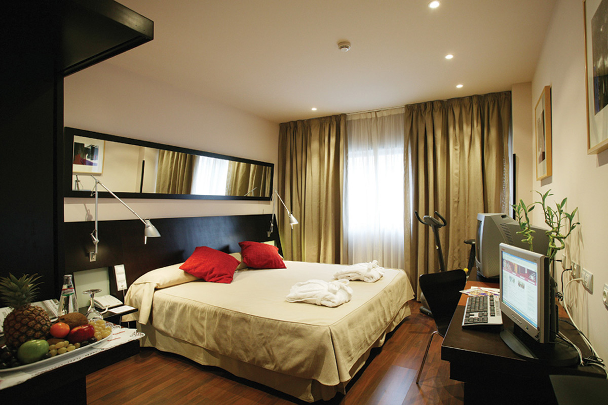 High Tech Aeropuerto Hotel Madrid, servicios especiales