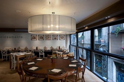 Hotel Royal Ramblas, desde su tranquilo restaurante
